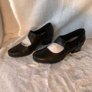 NWB Clark's Women's Emslie Lublin Dress Heel 10